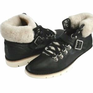 new Trask ✪ Sheepskin Lined Leather Ankle Bootie ✪